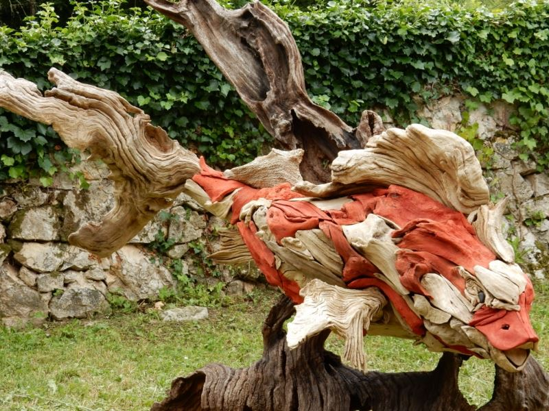 Sculpture carpe ko bois flott patrick m d ric for Statue carpe koi